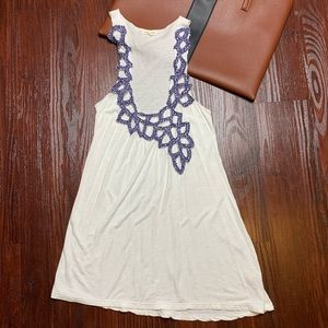 Anthropologie silence + noise appliqué tank size S